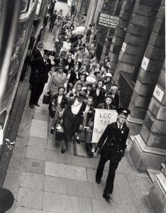 Evacuees on Queen's Road, September 1939